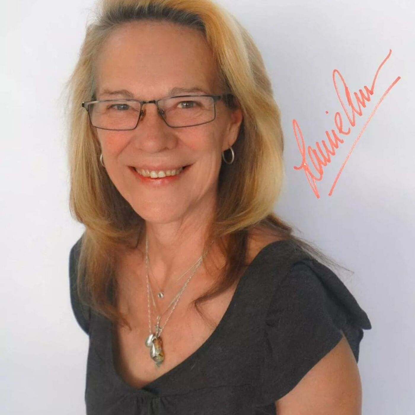 LIFT Your Story with LaurieAnn on Learning about Handwriting Analysis