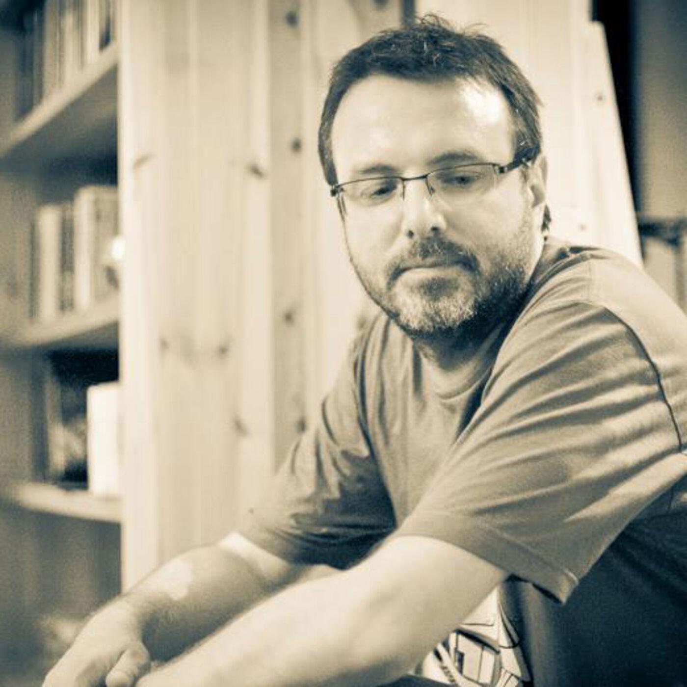 #1. Faskil, Journaliste