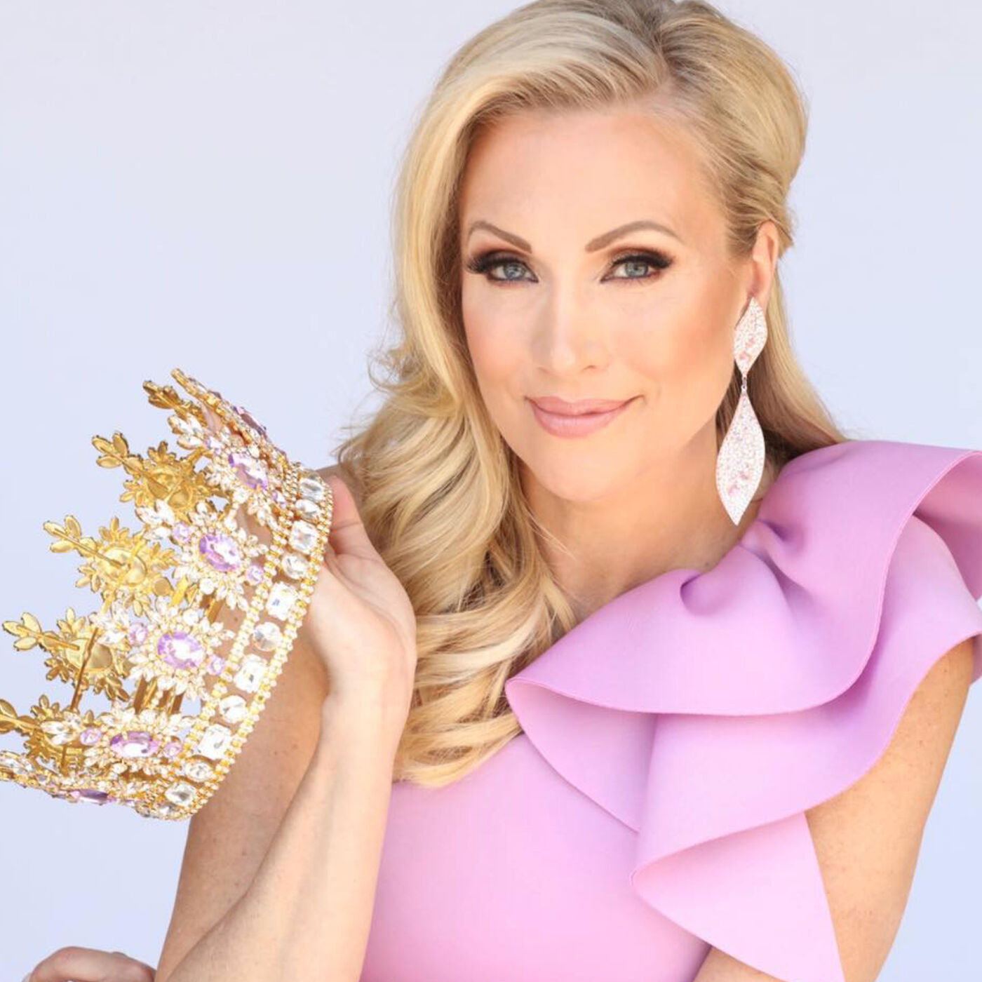 Bonus PAGEANT episode with Wendi Russo, Pageant Coach