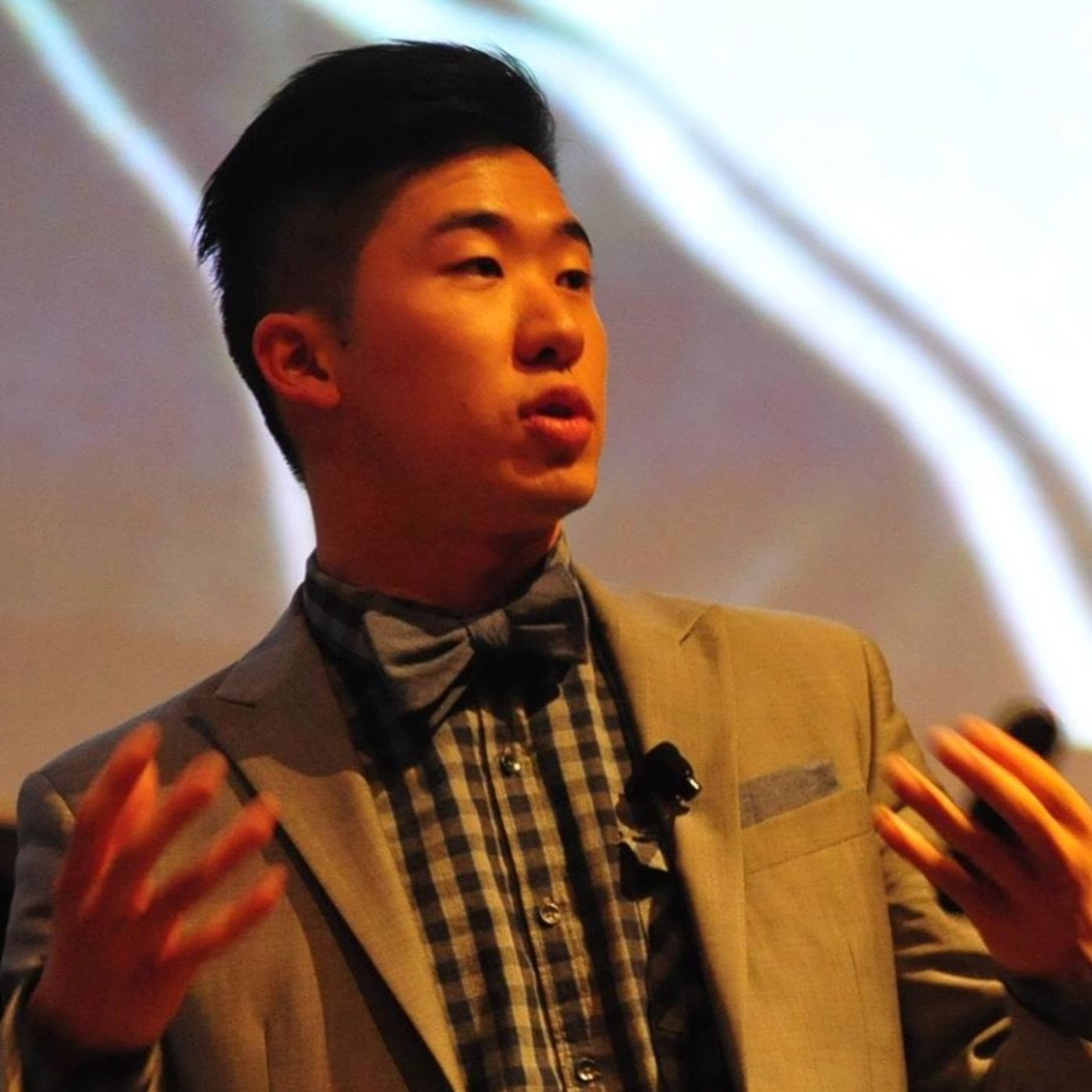 #1 - Starting a Travel Company and Visiting 150 Countries with Dr. Calvin Sun