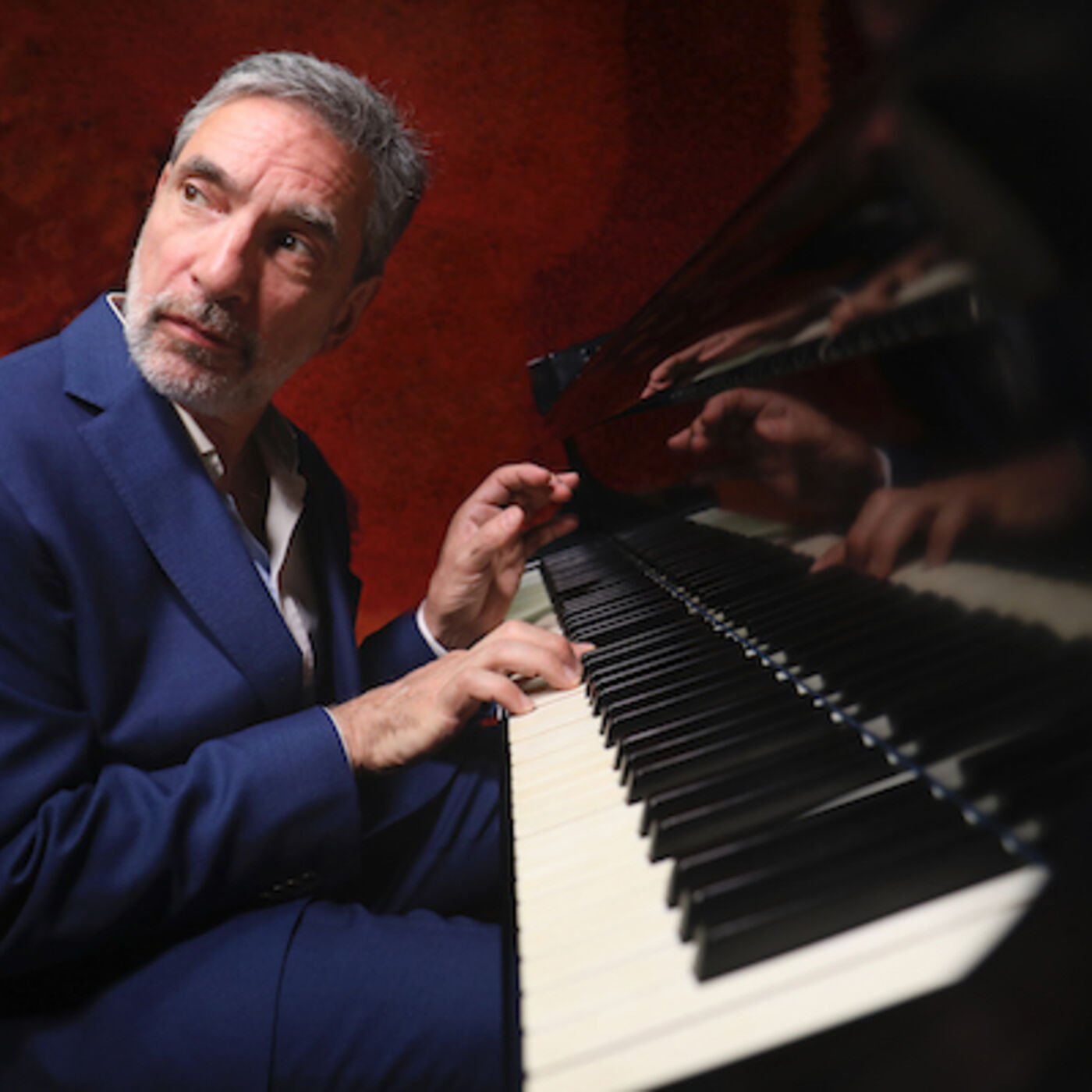 Episode 11 - An interview with the fantastic pianist and organist Mike Ledonne.