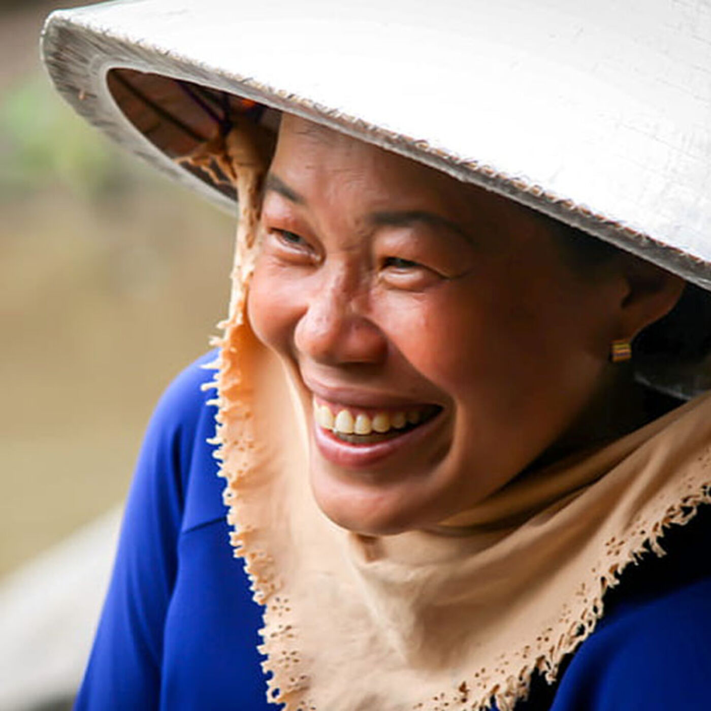 Trip to Central Vietnam, My Fave ADJECTIVE, More PRONUNCIATION Tips, Blue Dragon Children's Foundation, The Korean Holiday 'Chuseok' (Intermediate)