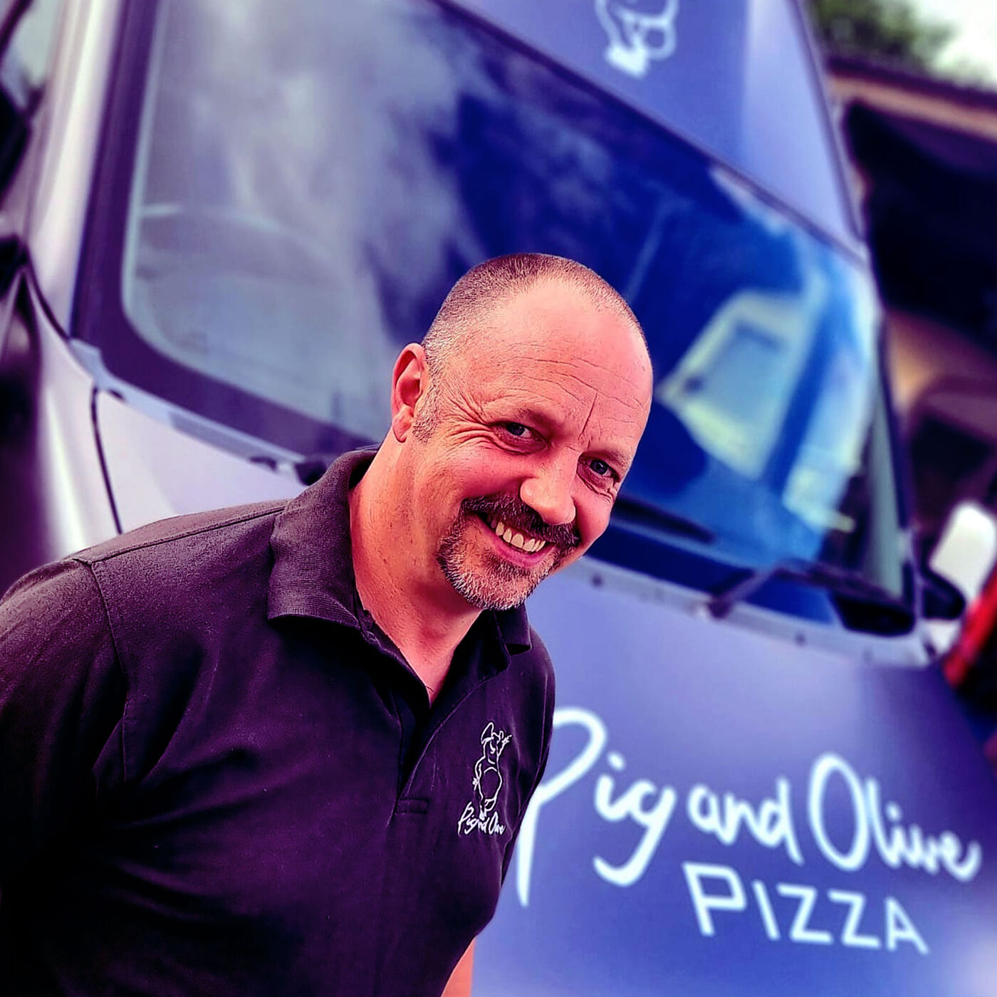 Interview with Pig & Olive mobile and bricks & mortar pizza business entrepreneur Simon Harris from North Devon, UK (ENGLISH)