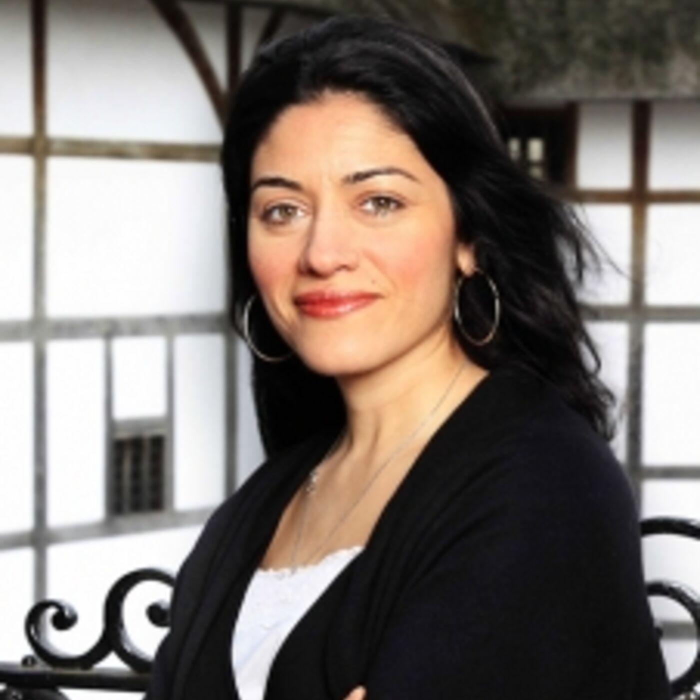 S1:E4:Farah-Karim Cooper on Shakespeare's Globe, Sam Wanamaker Playhouse, Cosmetics, Gestures