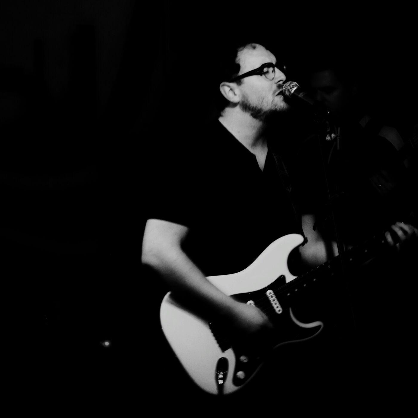 Music Masthun, Jesse Gimbel Builds Alluring Music.