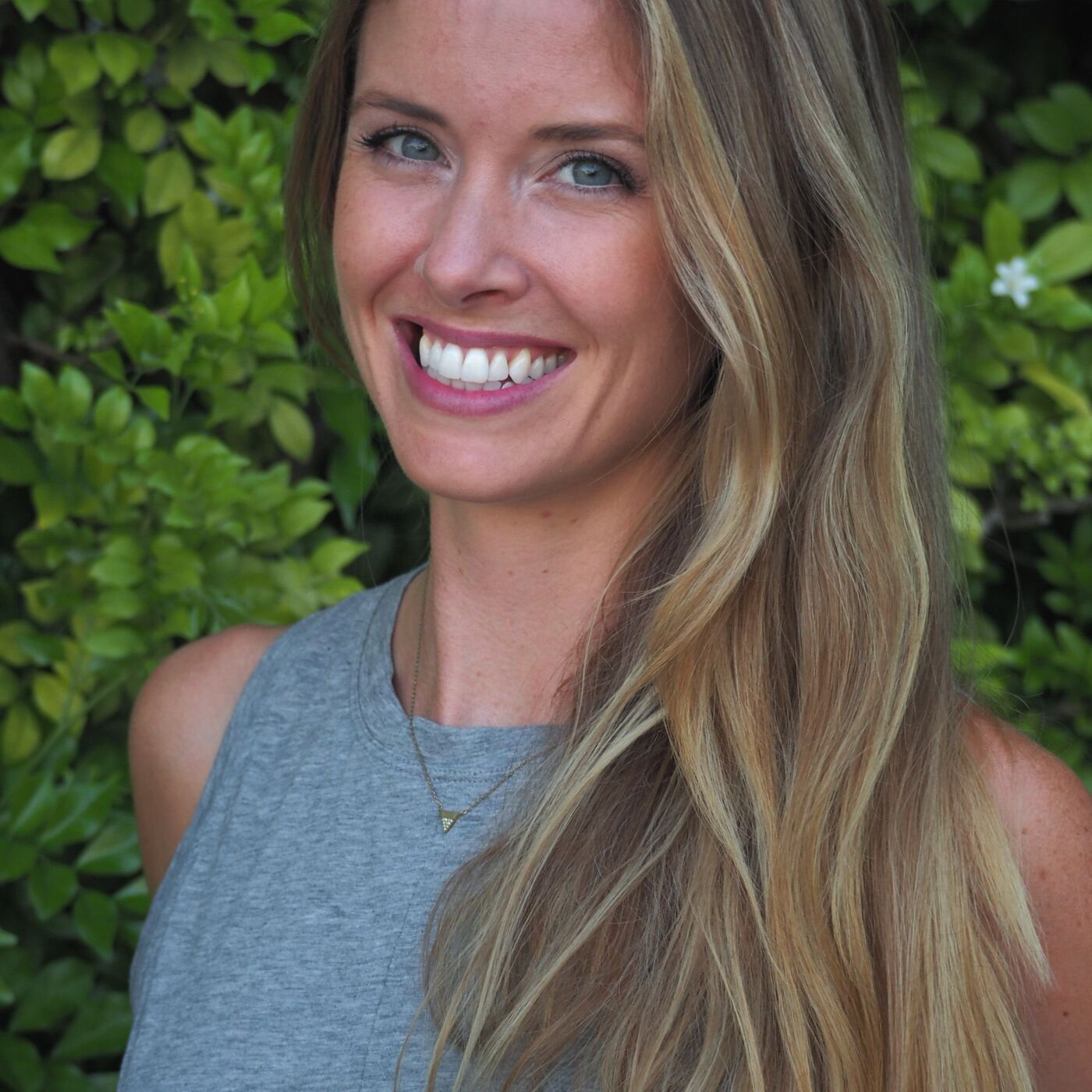 Episode 73: Series - Anti-Diet Approaches to New Year's Resolutions with Lisa Carrigg
