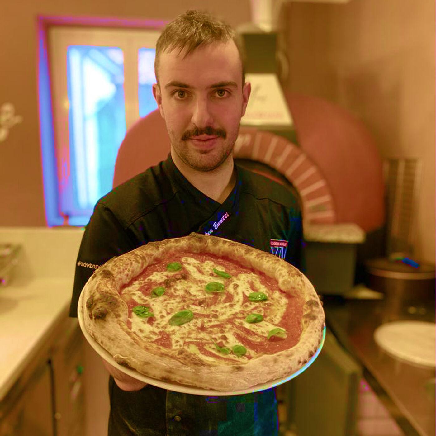 Andrea Brunetti: Giovane Pizza Chef, Imprenditore & Esteta della Pizza (ITALIAN)