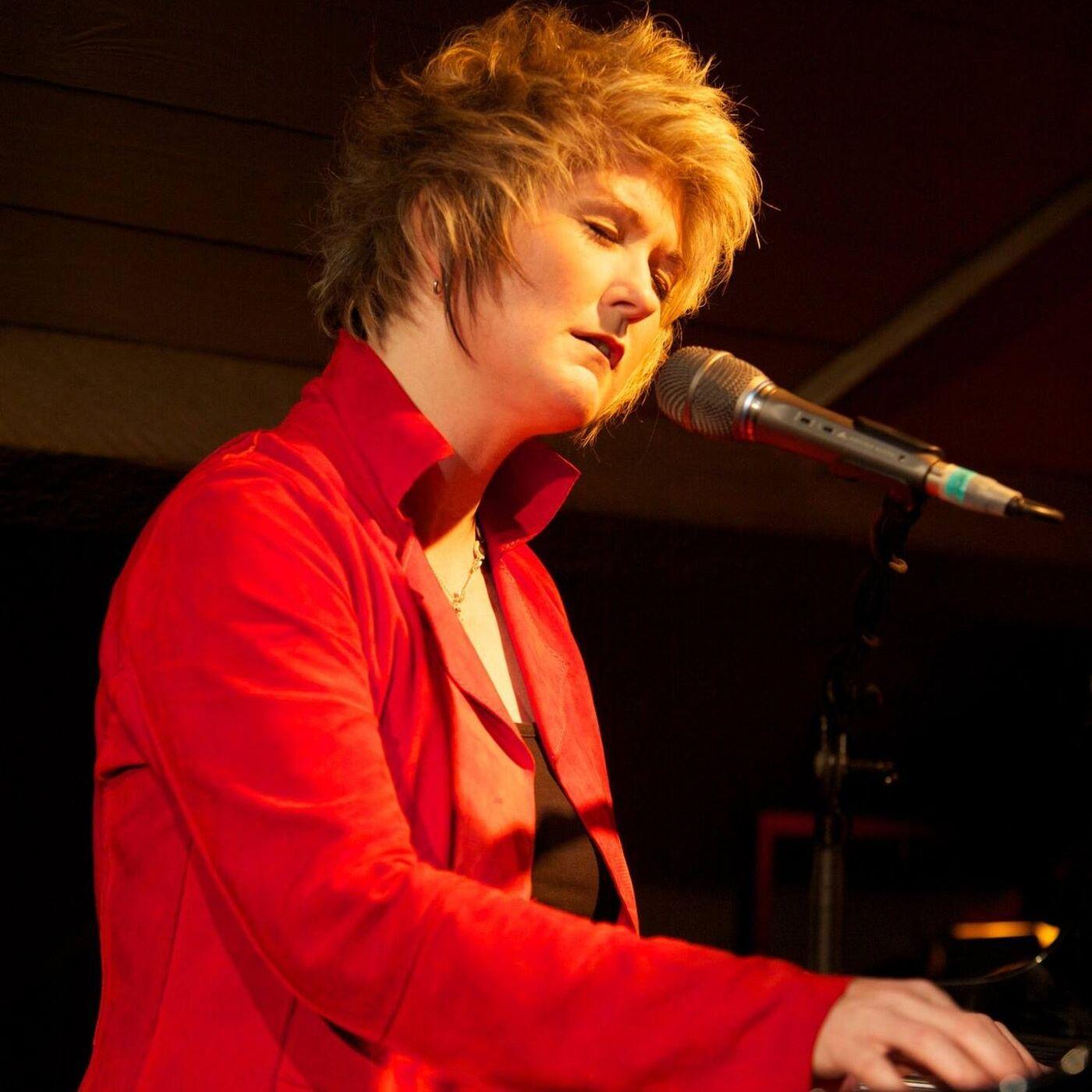 Episode 13 - A conversation with vocalist/pianist Dena DeRose
